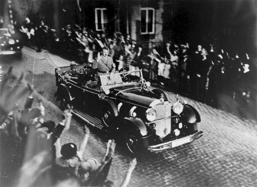 Adolf Hitler crosses Hannover in his car