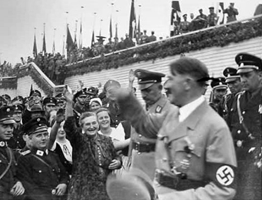 Adolf Hitler greets the crowd for the Erntedankfest