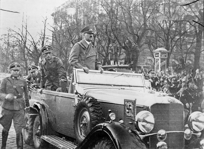 Hitlers enters Wien