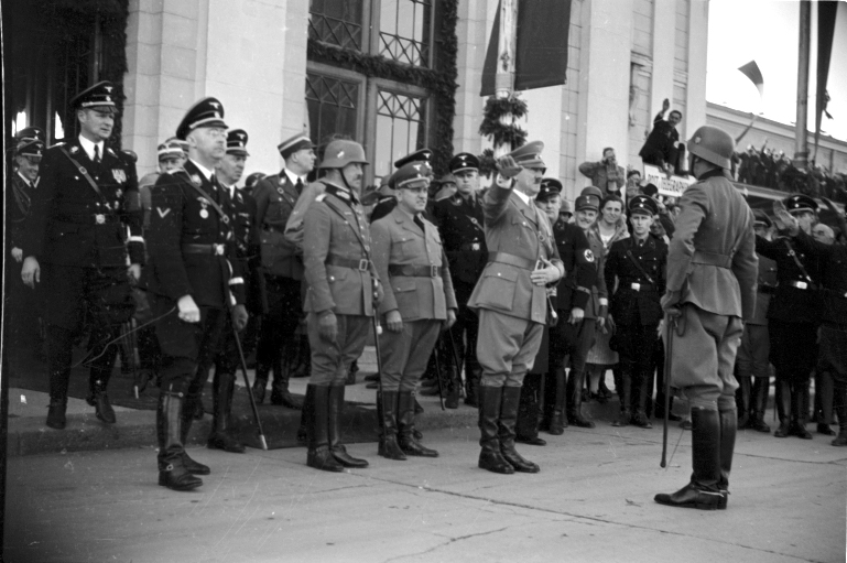 Adolf Hitler in Graz after his speech in the Weitzer wagon factory