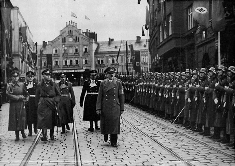 Hitler in front of Reichenberg's station