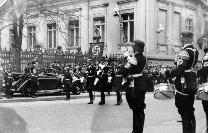 Adolf Hitler and Heinrich Himmler during the parade of the SS in Wilhelmstrasse on the occasion of Hitler's 50th birthday