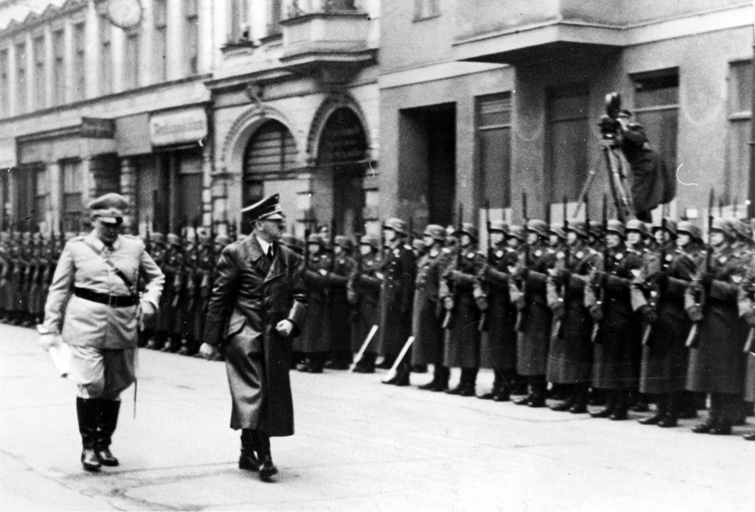 Adolf Hitler and Hermann Göring in front of the honor company before the funeral ceremony of general Ernst Udet