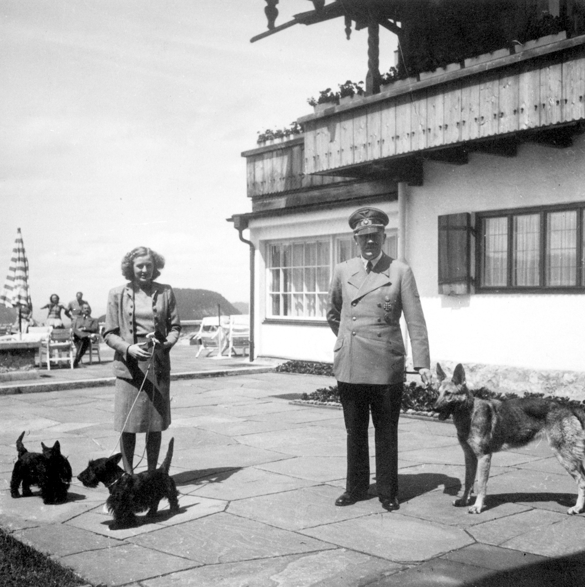 Hitler Archive | Adolf Hitler and Eva Braun, with their dogs at ...